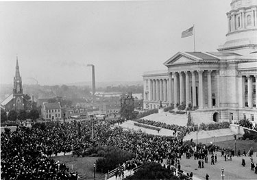Crowds gathered for the dedication of the new capitol